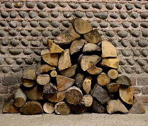 Quality hardwood logs for sale